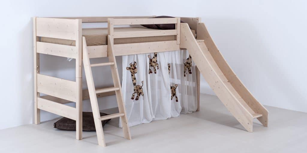 Kinder- und Jugendhochbett Castello aus Fichte und Zirbe von Betten Impulse in Bad Aibling