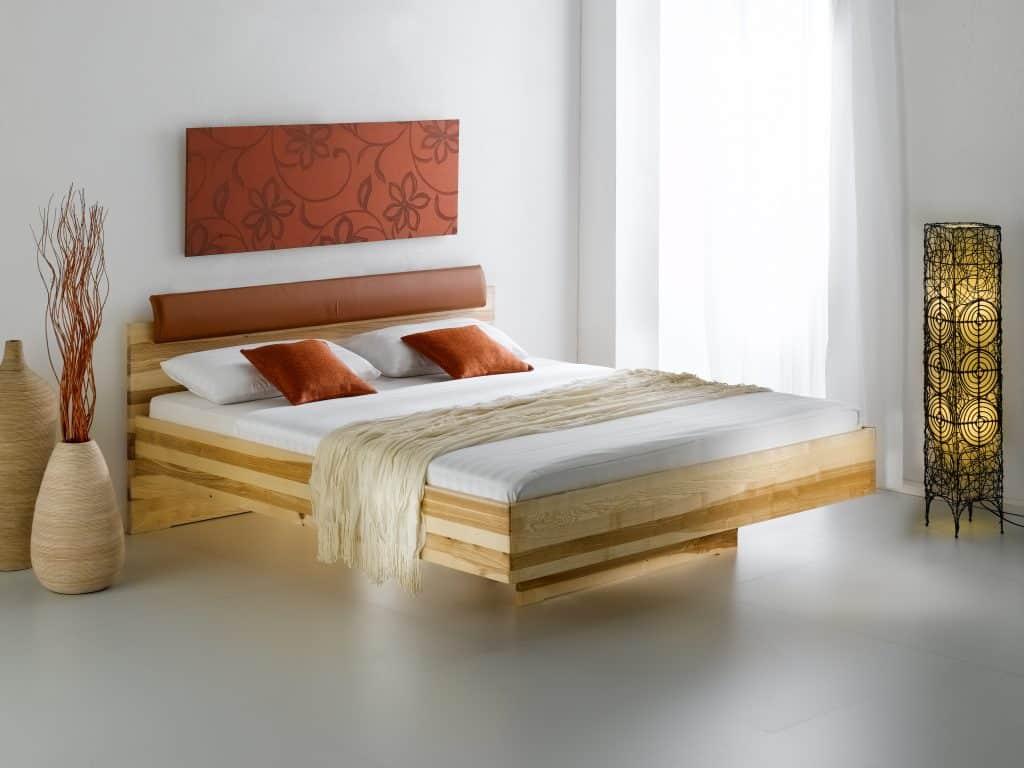 Massivholzbett Bormio Kernesche von T-Drei bei Betten Impulse
