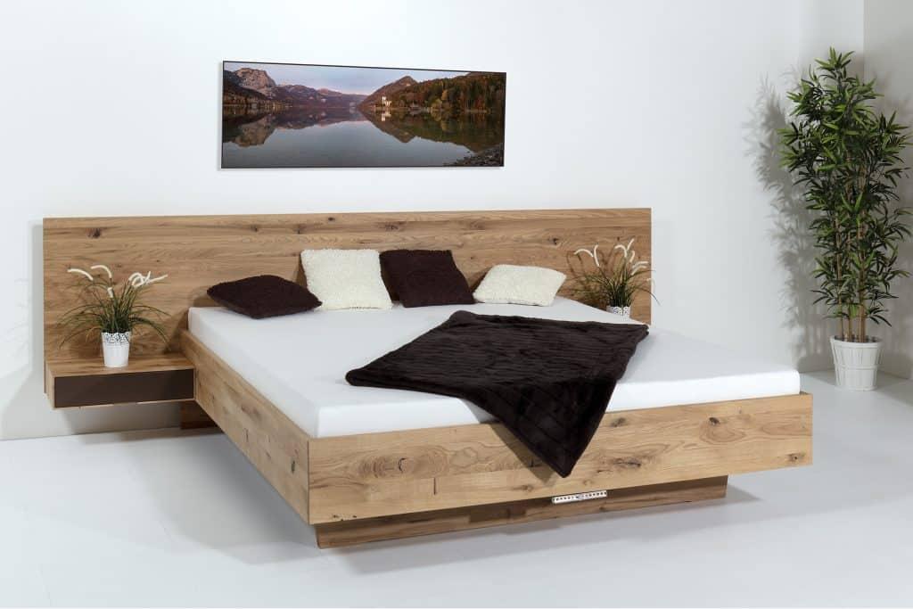 Massivholzbett Turin mit Paneel Wildeiche
