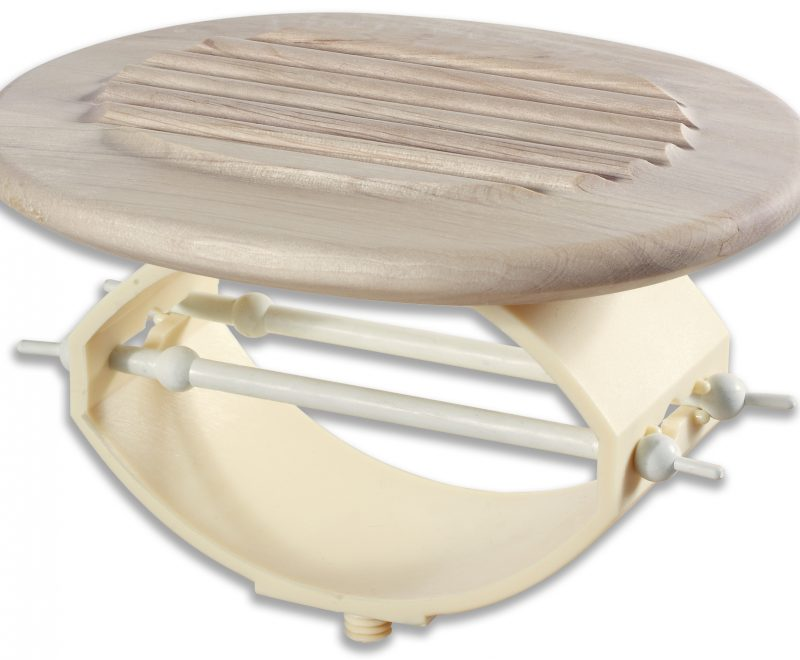 der Relax 2000 Lattenrost hat ein Federelement mit Spanngummi und Holzteller