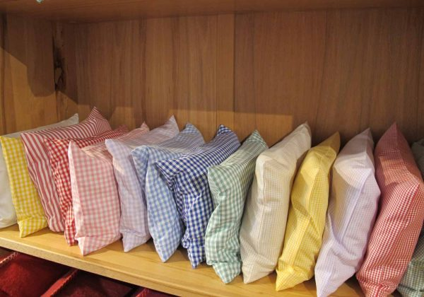 Für das Duftkissen gibt es Kissenhüllen in vielen Farben